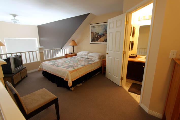 kelowna-1-bedroom-vacation-rental-311-bedroom