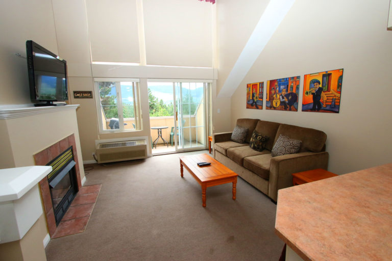 kelowna-1-bedroom-vacation-rental-quail-ridge-resort-borgata-lodge-307