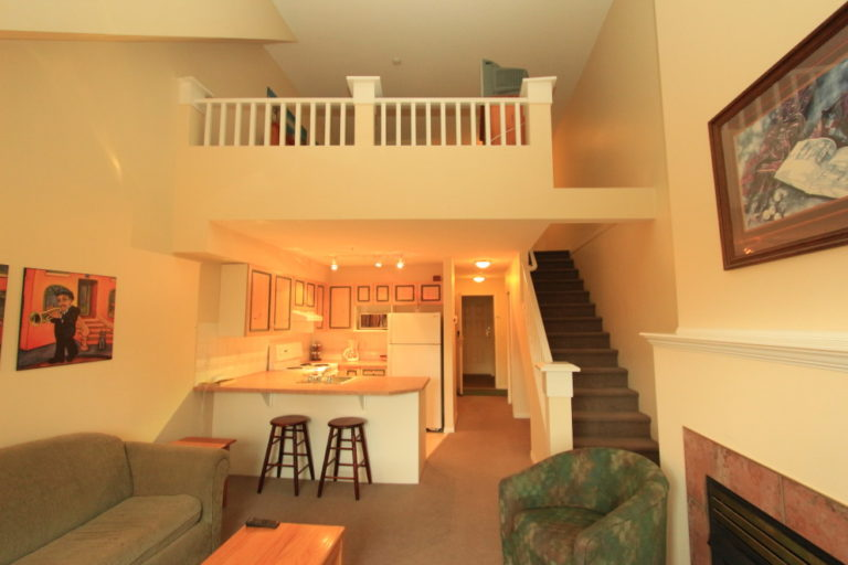 kelowna-vacation-rentals-accommodation-hotels-7