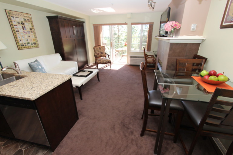 kelowna-vacation-rentals-resort11 (1)