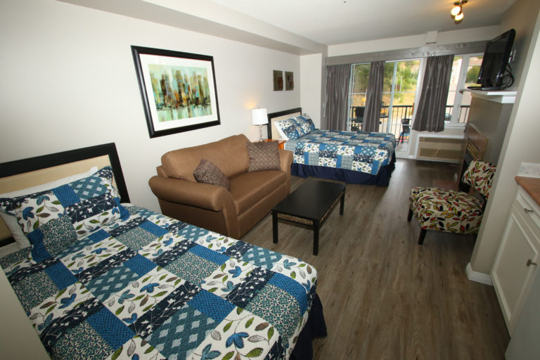 borgata-lodge-211-b-kelowna-studio-vacation-rental-2