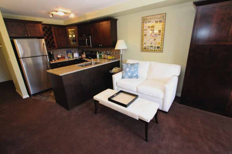 kelowna-vacation-rentals-resort14